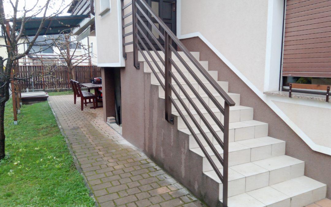 Montaža stopniščne ograje