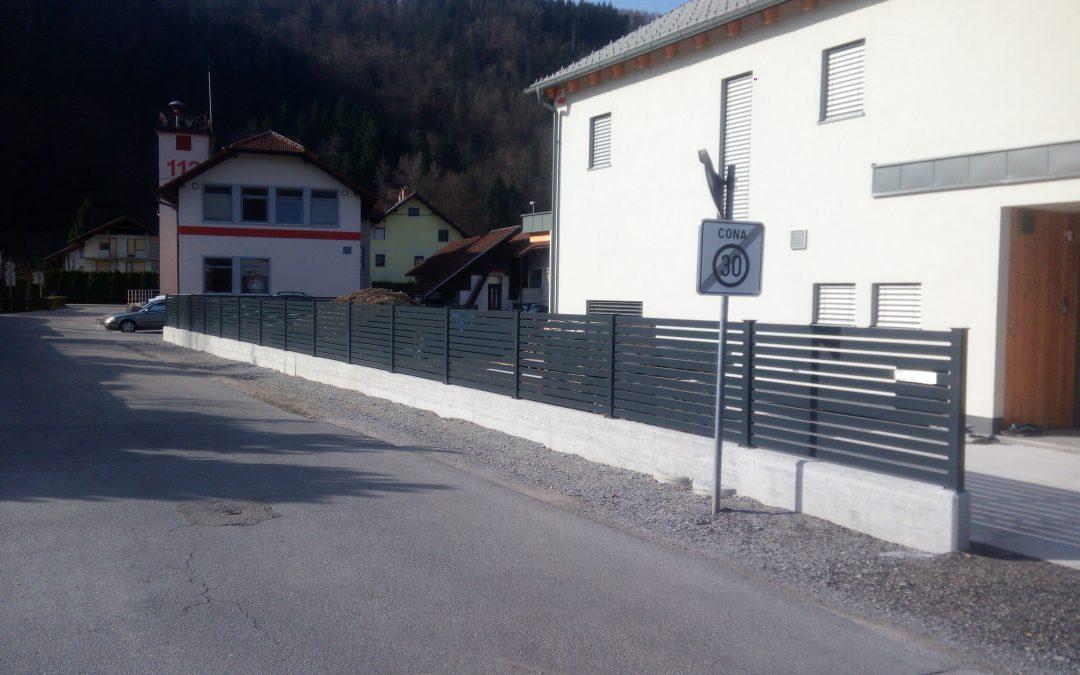Montaža ograje iz Alu elementov