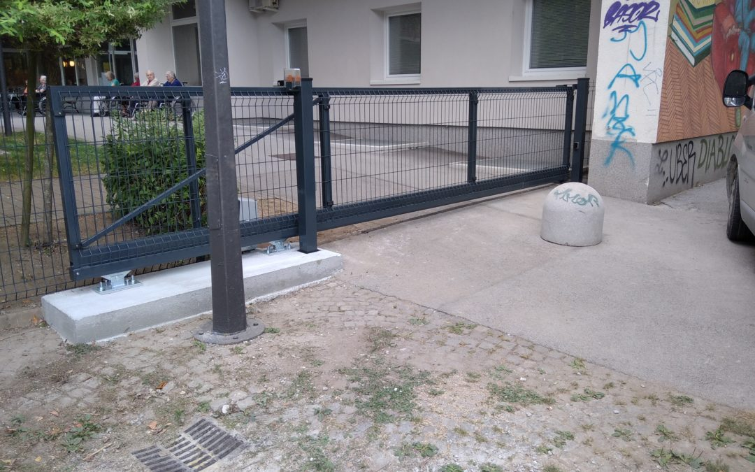 Dobava in montaža samonosnih vrat s pogonom Nice