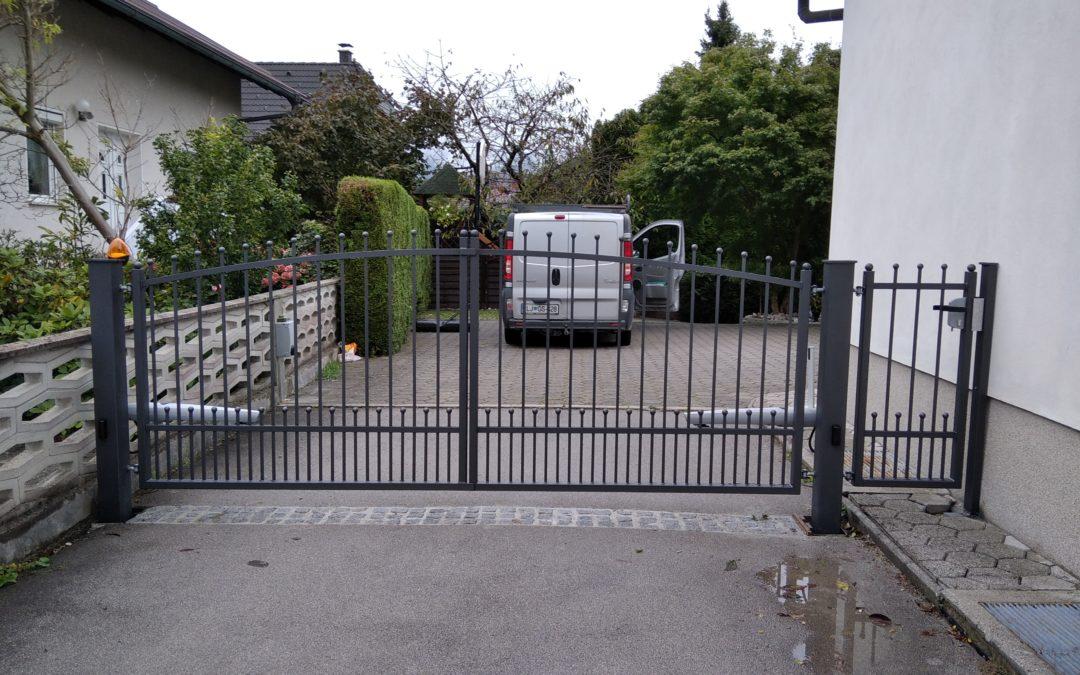 Dobava in montaža dvokrilnih vrat in OP