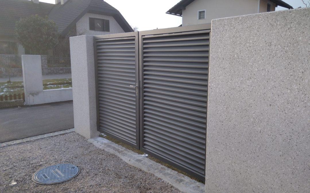 Dobava in montaža dvokrilnih vrat